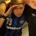 サッカーの試合に出没!ものまね日本代表!サッカー選手、宇佐美貴史公認!?トランスミッター鴛海
